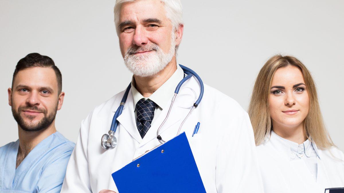 Entenda porque a indicação de um médico é uma prática recorrente entre os pacientes!