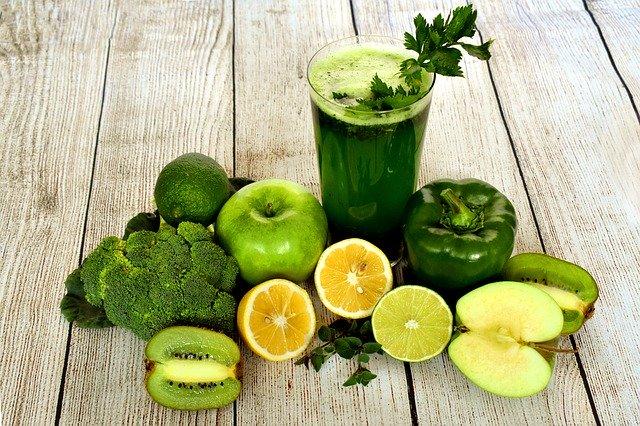 Dietas detox: descubra se são eficazes e conheça seus riscos!